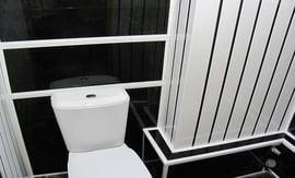 отделка туалета панелями ПВХ - 5vodnom