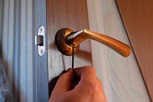 Установка и замена дверной ручки