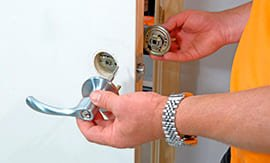Замена ручек межкомнатных дверей