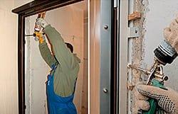 Установка входной двери недорого в Москве